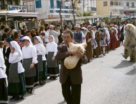 Οι Αγερσανιώτες κάνουν παρέλαση στο Καρναβάλι της Χώρας