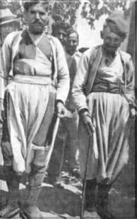 Βρακάδες της Νάξου το 1930 φωτογραφία Bernard Flament από ανάρτηση στο Facebook της κ. Αντωνίας Μαϊτού